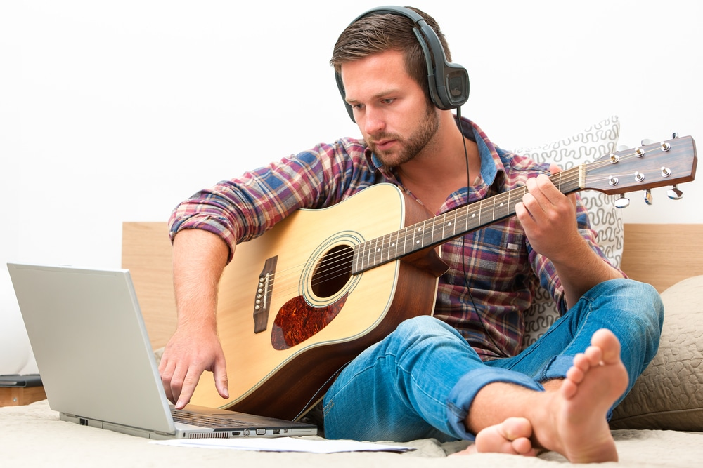Best Free online guitar lessons for beginners